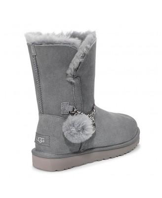 UGG CLASSIC SHORT CHARM Boots
